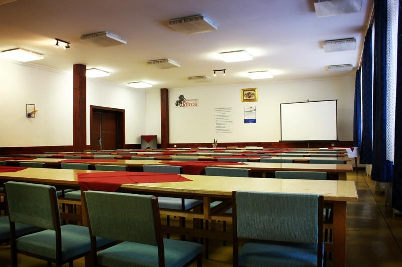 konferencia_terem.jpg